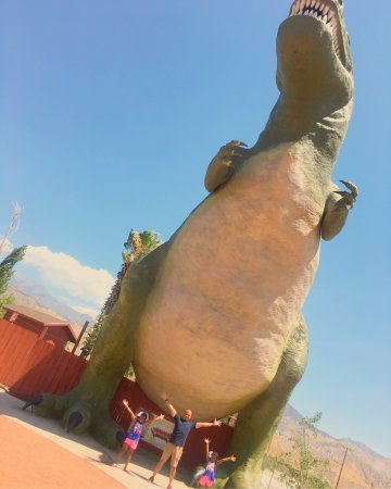 Cabazon Dinosaurs: photo7.jpg