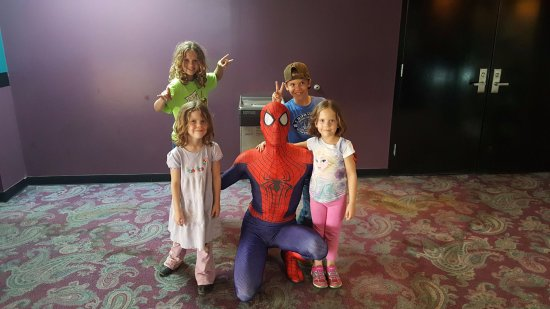 Glasgow, Кентукки: Spiderman was at the cinema!