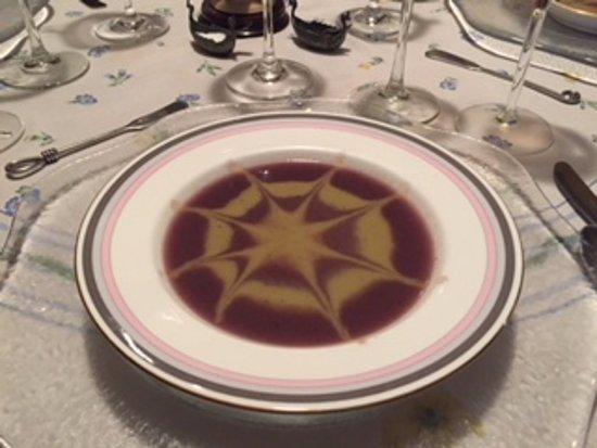 La Mesa de Monique y André : Two flavour veloute of red cabbage and cauliflower