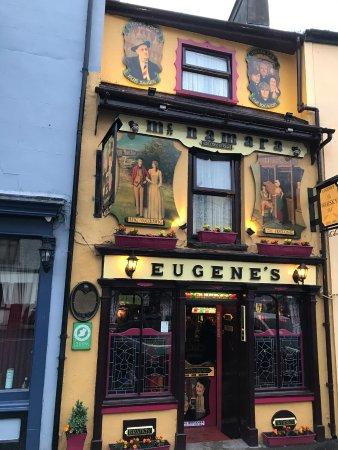 Eugene's Bar: Eye-catching exterior