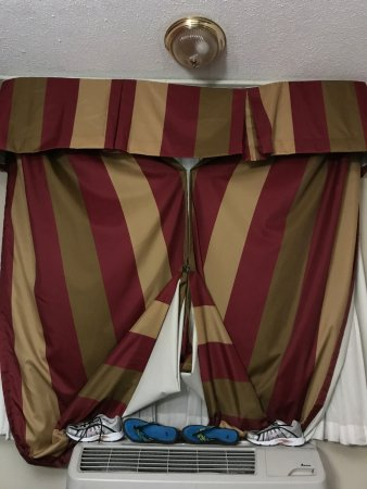 Sunset Inn: DYI blackout drapes