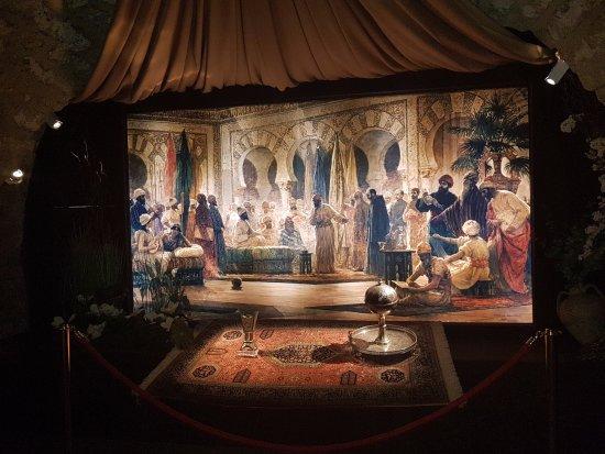 Torre de la Calahorra: Inside the museum