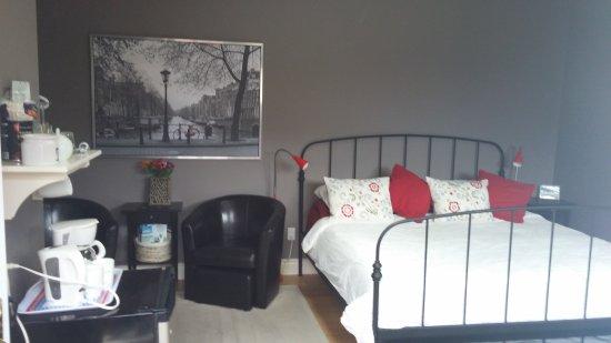 Cedar Suite Bed & Breakfast: 20170709_105619_large.jpg