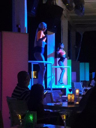 Baia Lara Hotel: Nightly entertainment