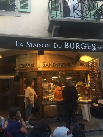 restaurant la maison du burger mid 39 night dans chamonix. Black Bedroom Furniture Sets. Home Design Ideas