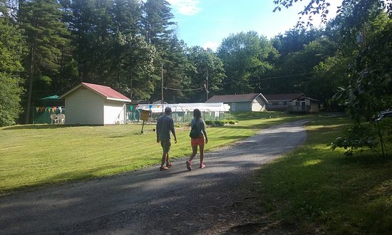 Cuddebackville, NY: Oakland Valley Campground - Walking towards inground pool and office