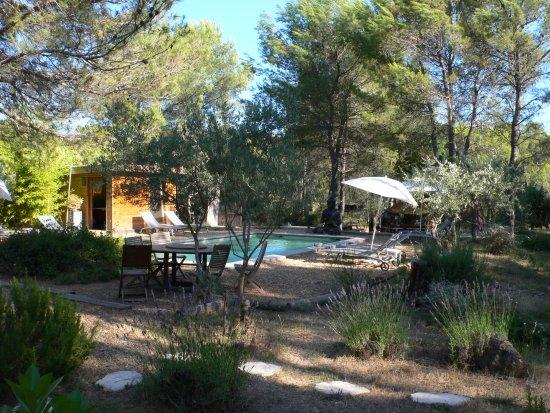 Villa Josephine : le Calme avec un grand C ..... une jolie piscine ... le paradis