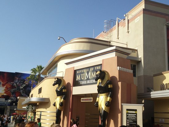 Revenge of the Mummy - The Ride