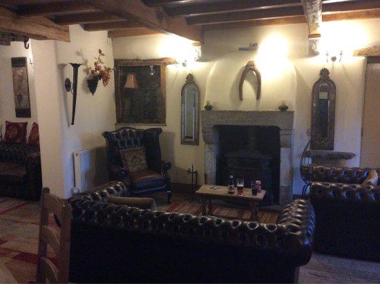 Tosside, UK: Bar area,