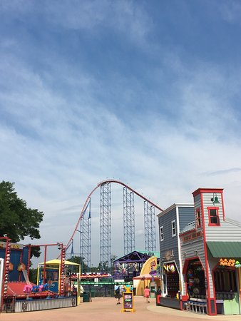 Hotels Near Six Flags Maryland