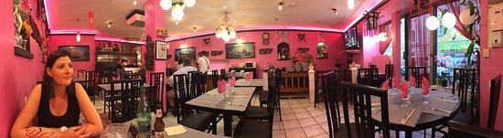 Villefranche-sur-Saone, France: Topervaring als je Thaise keuken kan apprecieren.