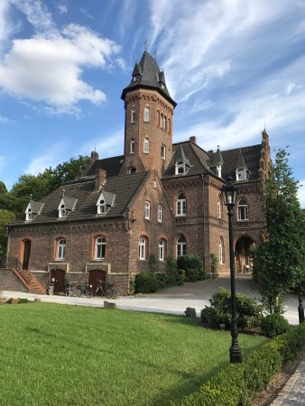 Monheim am Rhein, Germania: Marienburg Monheim
