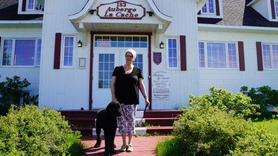 Natashquan, Canadá: L'Auberge du chien noir!