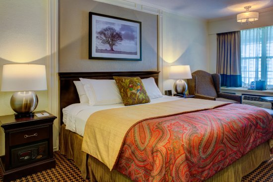 Basking Ridge, NJ: Newly redecorated hotel room
