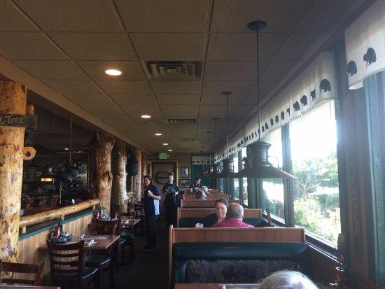 Los Banos, Kalifornien: Dining Room View at Black Bear Diner