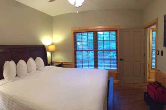 Mountainburg, AR: Bedroom