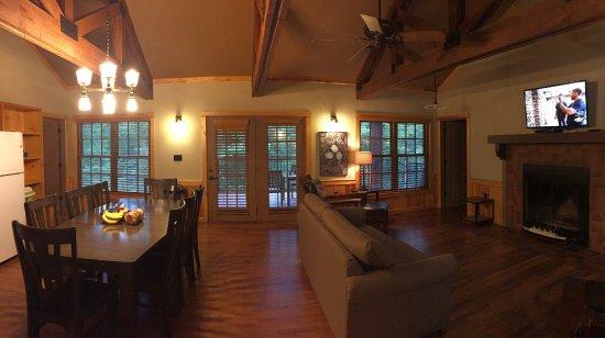 Mountainburg, AR: Cabin
