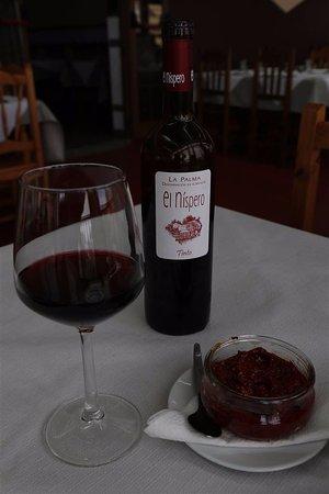 Barlovento, Spain: Mooie locale wijn (+ de goede rode mojo)