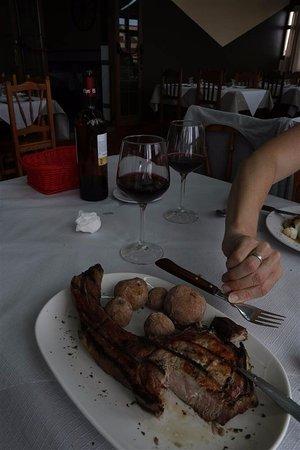 Barlovento, Spain: Mooie varkenssteak (vork erbij voor de schaal)