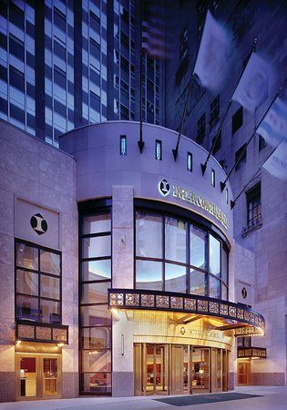 InterContinental Chicago: Front Entrance Michigan Avenue