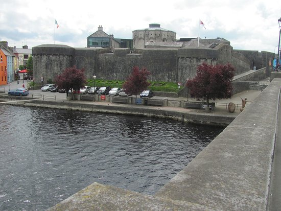 Radisson Blu Hotel, Athlone: the Castle across the Shannon river.
