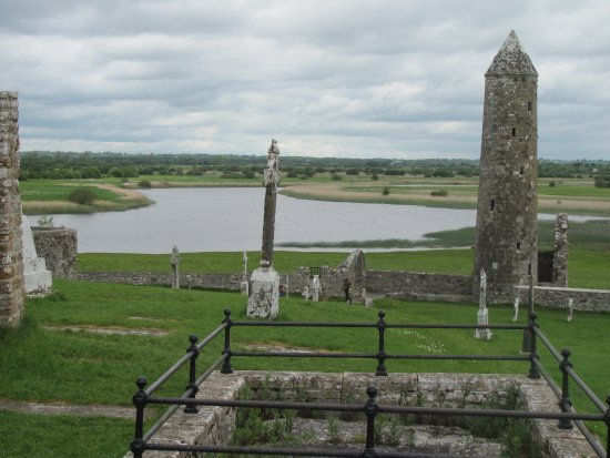 Radisson Blu Hotel, Athlone: the river from Clonmacnoise