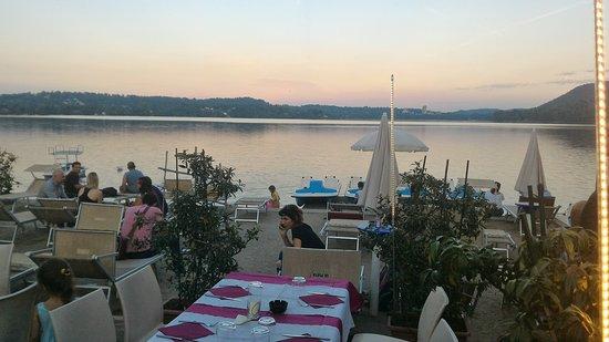 Cadrezzate, อิตาลี: Posto incantevole,servizio veloce,pizza molto buona ma siamo dovuti scappare a causa delle zanza