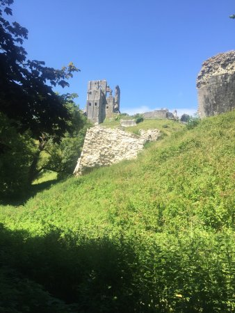 Corfe Castle, UK: photo2.jpg