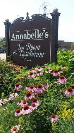 Kingsville, Canadá: Annabelle's Tea Room and Restaurant