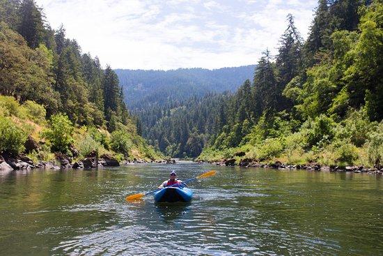 Merlin, OR: kayaking Rogue River