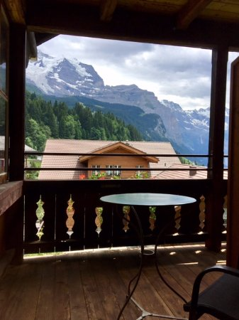 Hotel Edelweiss : View from the balcony (single room). It is unbelievably gorgeous