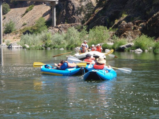 Merlin, Oregón: Follow the leader - Safe Kayaking stretch on the Rogue River
