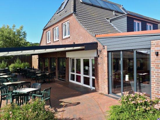 Eingang Mit Neuem Anbau Und Terrasse Picture Of Backerei Inselcafe
