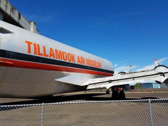 Tillamook, Όρεγκον: The giant cargo plane welcomes you