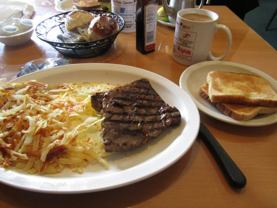 Rose Garden Family Restaurant: Steak breakfast