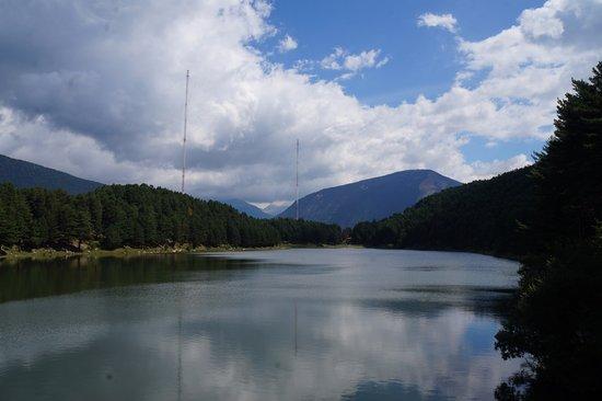 Parochie Encamp, Andorra: Lago y montaña