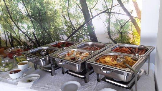 Dudince, Eslováquia: hot breakfast buffet