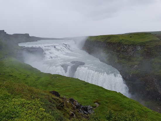 ‪Gullfoss Geysir Direct Day Tour‬