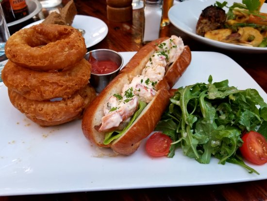 Rodney's Oyster House: Lobster roll