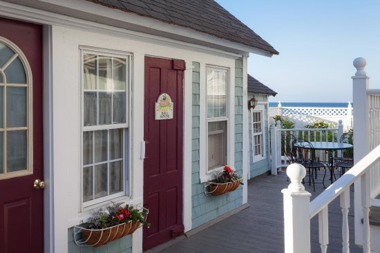 Blue Dory Inn: Choose from a number of private cottages and suites.