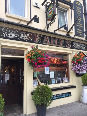 Fahy's Bar and Restaurant: photo0.jpg