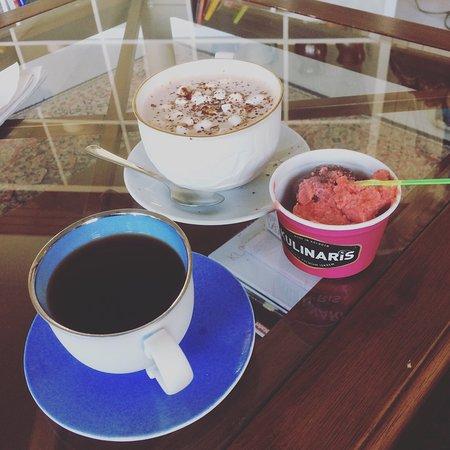 Stokke, Νορβηγία: Nydelig kulinar-is og deilig kaffe. Hyggelig service også. Kan anbefale pizza og wok-rettene!