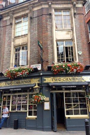Two Chairmen Public House: Two Chairman