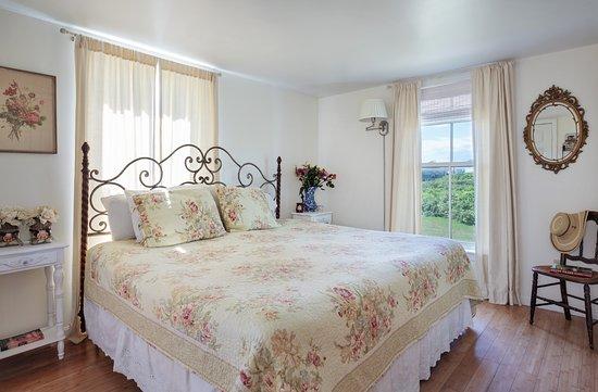 Garnet Room at Avonlea, Jewel of the Sea.