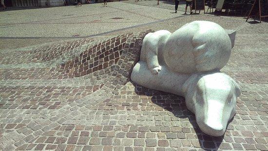Nello & Patrasche Statue