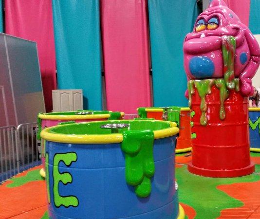 Warrington, Πενσυλβάνια: Indoor kiddie ride