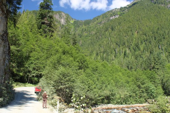 Granite Falls, WA: Road, mountains, and South Fork Sauk