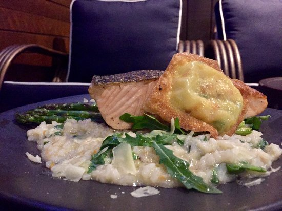 East Maitland, Australia: Salmon Dish from the Menu