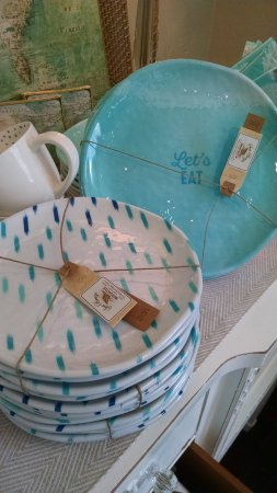 Solana Beach, CA: Summer fun with melamine dinner and salad plates.  Great for your outdoor party or for the beach