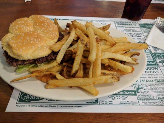 Country Kitchen: Burger & Fresh-cut Fries